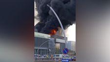 Ankara'daki tren garının yanındaki inşaatta yangın çıktı