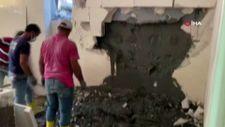 Arnavutköy'de inşaat sırasında yan evin duvarı yıkıldı