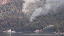 Marmaris'teki orman yangınına, gemiyle denizden de müdahale ediliyor