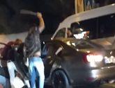 Sarıyer'de 7 kişi, önünü kestikleri sürücüyü dövdü