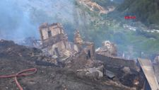 Yusufeli'nde yanan 33 evden geriye enkaz kaldı