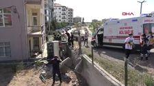 Aksaray'da bahçe duvarına çarpan kamyonetin sürücüsü ile yolcusu kaçtı