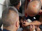 Erzincan'da 11 yaşındaki çocuğun kaşına takılan kanca çıkarıldı