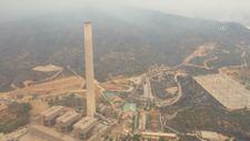 Termik santraldeki çalışmalar ve etrafındaki yanan alanlar görüntülendi