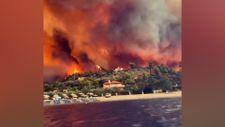 Yunanistan'da yangının boyutunu ortaya koyan görüntü
