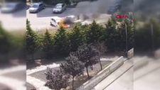 Kocaeli'de park halindeki otomobil alev alev yandı