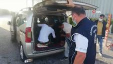 Osmaniye'de 5 kişilik ticari araçtan 6'sı kaçak 9 mülteci çıktı