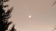 Yangınlar, İzmir'den Çanakkale'ye kadar gökyüzü rengini değiştirdi