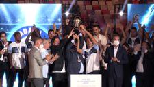 Adana Demirspor şampiyonluk kupasını kaldırdı