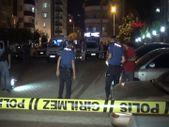 Adana'da evinin önünde pusuya düşürüp, tabancayla başından vurdular