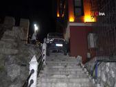 Bursa'da tarihi surlarda aracıyla sıkıştı