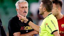 Real Betis - Roma maçında Mourinho ve 3 oyuncusu atıldı