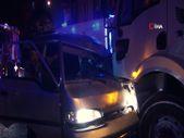 İstanbul'da tır ile minibüs çarpıştı