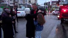 Manavgat'tan dönen itfaiyecilerin ailesi duygusal anlar yaşadı