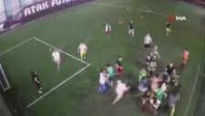 Avcılar'daki halı sahada maç bitişiyle kavga başladı