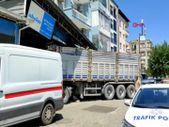 Aydın'da şoför uyuyakaldı, tır yem bayisine daldı