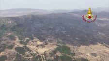 İtalya'nın Sicilya adasında yanan ormanlık alanlar havadan görüntülendi