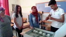 Adana'da açılan elektrik kursuna kadınlar akın etti