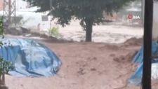 Kastamonu'da çay taştı, birçok araç ve işyeri su altında kaldı