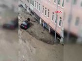 Kastamonu'da araçla selde sürüklenen kişi suda kayboldu