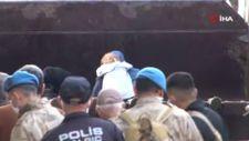 Kastamonu'da 2 çocuk ve 1 kadın, 17 saat sonra kepçeyle kurtarıldı