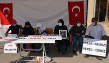 Muş'ta anneler HDP il binası önünde evlat nöbeti tutuyor