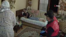 Kastamonu'da sel bölgesinde, polisten yaşlı çifte yardım eli
