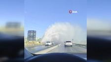 İSKİ'nin su borusu patladı, sürücüler zor anlar yaşadı