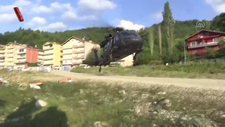 Sel felaketinin yaşandığı Ayancık'ta köylere helikopterle erzak taşınıyor