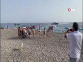 İspanya'da uyuşturucu kaçakçısı, sahilde güneşlenen vatandaşlar tarafından yakalandı