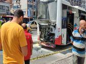 İzmir'de otobüsün motor bölümündeki patlama paniğe yol açtı