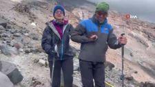 Görme engelli kadın Ağrı Dağı'na tırmandı