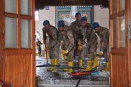 Kastamonu'da komandolar, camiyi su ve köpükle yıkadı