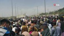 Kabil Havalimanı'ndaki umutlu bekleyiş sürüyor