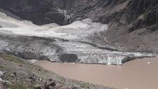 Türkiye'nin en büyük vadi buzulu küresel ısınma nedeniyle eriyor