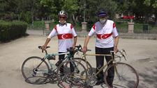 Eskişehir'de eski milli bisikletçi kardeşler, günde 50 kilometre pedal çeviriyor