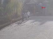 Kahramanmaraş'ta salçaya attılar diye çocukları dövdü