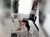 Ağlayan bebeği susturan köpek