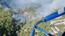 Kazdağları'nda çıkan orman yangınlarına havadan ve karadan müdahale ediliyor