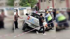 Batman'da belediyeye ait araç, belediyenin açtığı çukura düştü