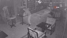Esenyurt'ta iş yerine giren hırsız soygun sonrası limonata içti
