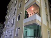 Çorum'da karantinaya giren müzisyen, balkonundan konser verdi