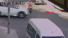 Esenyurt'ta ciple motosiklet çarpıştı