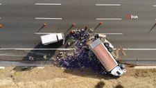 Kuzey Marmara Otoyolu'nda yumurta yüklü kamyon devrildi