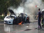 Antalya'da lüks otomobil dakikalar içinde kullanılamaz hale geldi