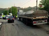 Karabük'te polislerin üzerine tırı sürüp, mukavemet gösterdi
