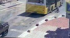 Küçükçekmece'de kadın seyir halindeki otobüsten düştü