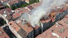 Üsküdar'da yangın apartmana ve 5 araca sıçradı