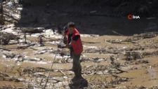 Kastamonu'da sele kapılan 13 yaşındaki Rabia, 17 gündür aranıyor