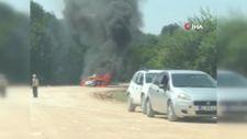 Sakarya'da otomobil, alev alev yandı